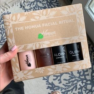 NEW IN BOX SKINCARE SET